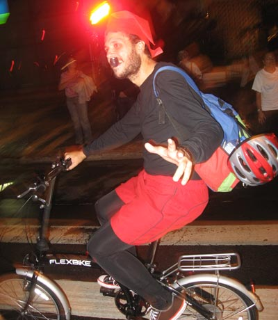 Nosso amigo Saci, que ainda vai esconder o trânsito da nossa cidade.