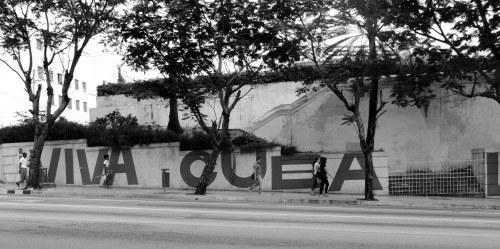 Não perdi a dimensão da crítica e não espere que farei coro aos que insistem em falar mal de Cuba [ repeteco da crítica economicista estadunidense ]